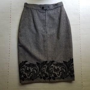 J.Tiktiner Midi Skirt with velvet pattern